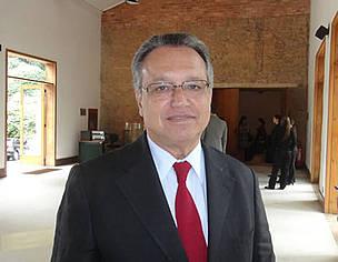 Flávio Miragaia Perri